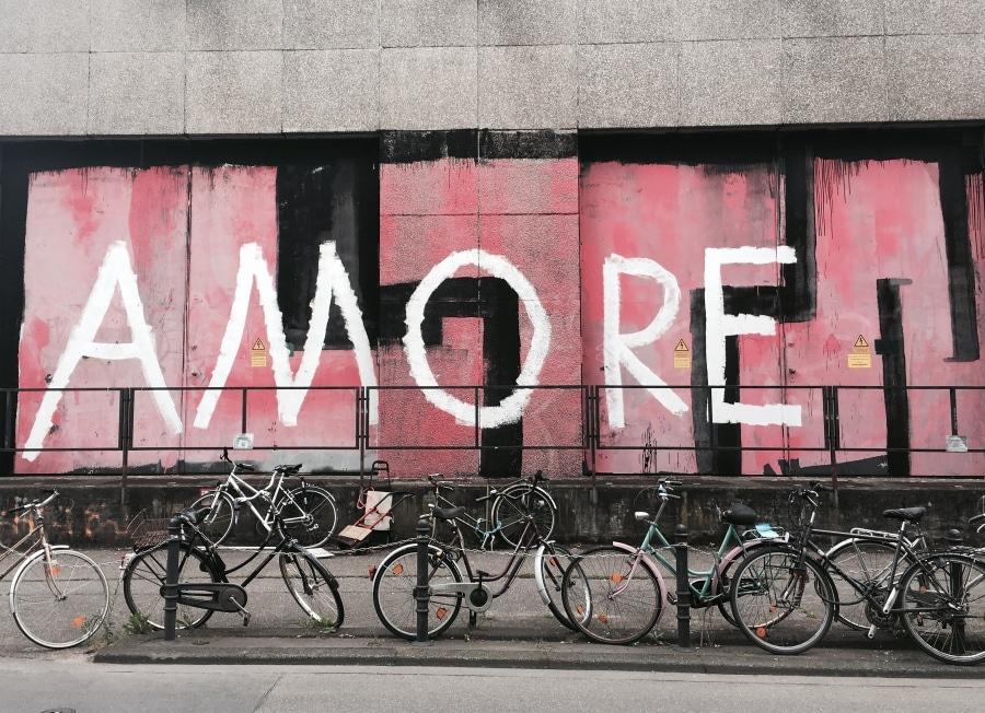 Amore Street art